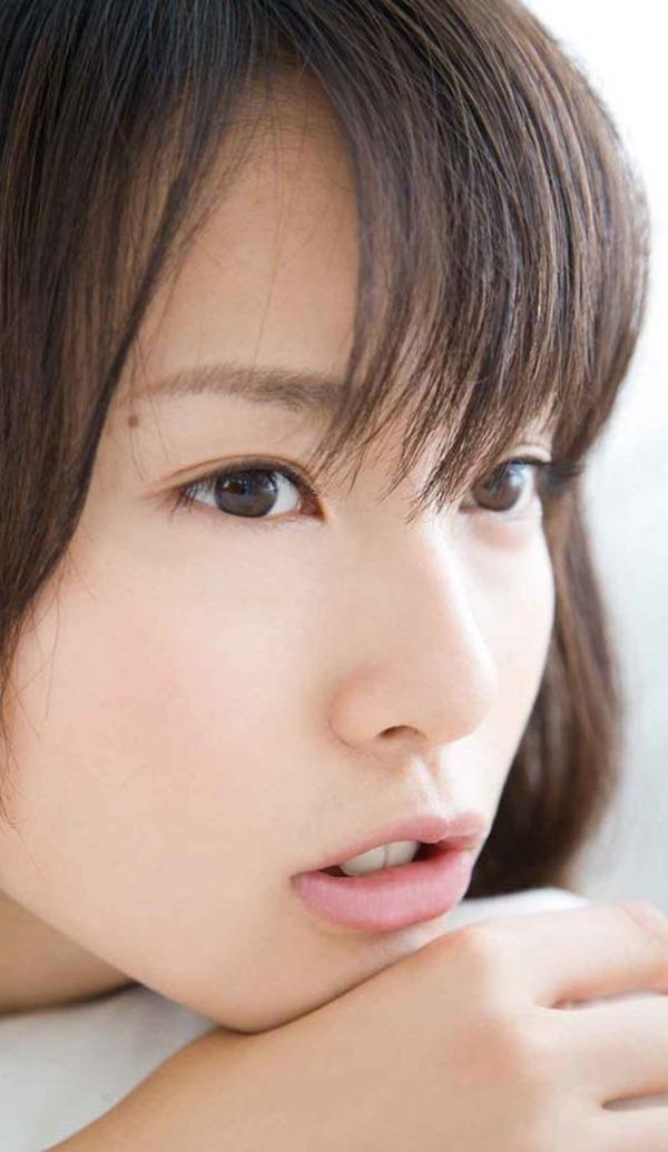 戸田恵梨香のキュートなグラビアちっぱい水着画像3