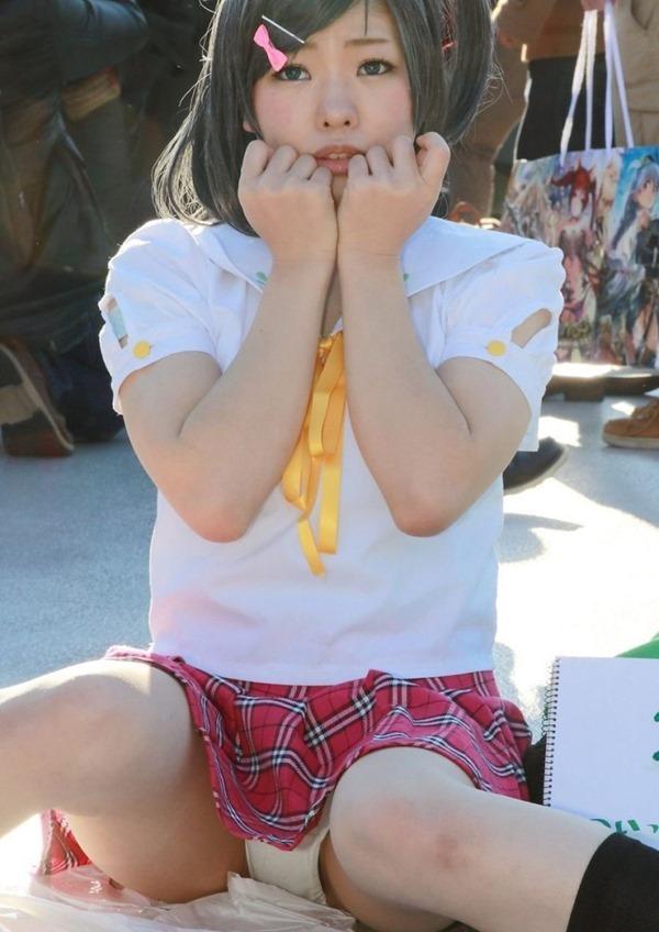 コスプレイヤーのスカート4