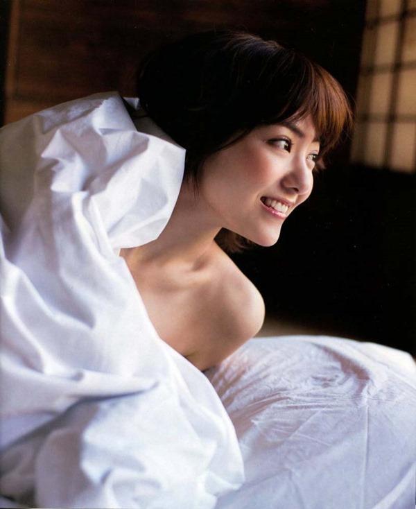 宮澤佐江の髪ブラヌード画像4