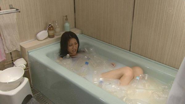 松下奈緒の全裸入浴ヌード画像4