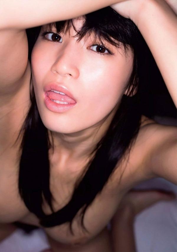高崎聖子の巨乳おっぱい乳首画像4