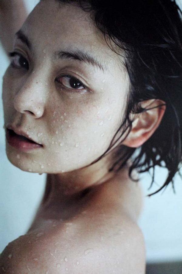 田畑智子の丸見え乳首ヘアヌード美乳画像4