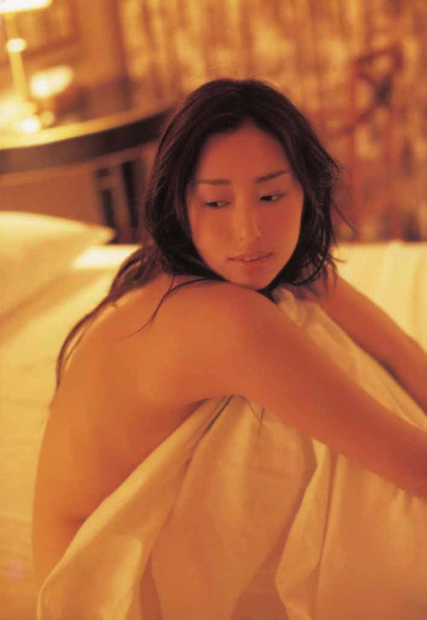 木村多江のセミヌード全裸入浴画像5