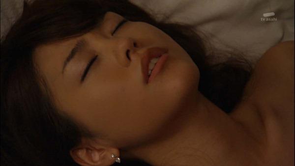 桐谷美玲のセミヌード乳首見え画像5