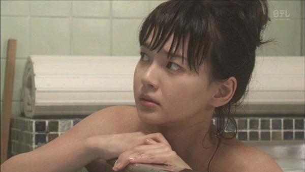 多部未華子の入浴シーンお色気エロキャプ画像5