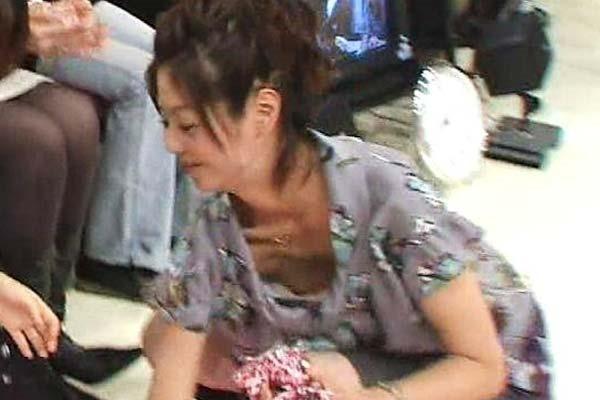 夏目三久アナの乳首見えパンチラ画像5