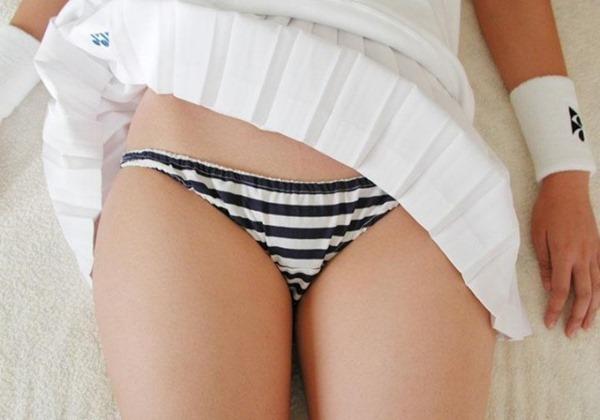 三次元女性が履いた縞パンツ画像5