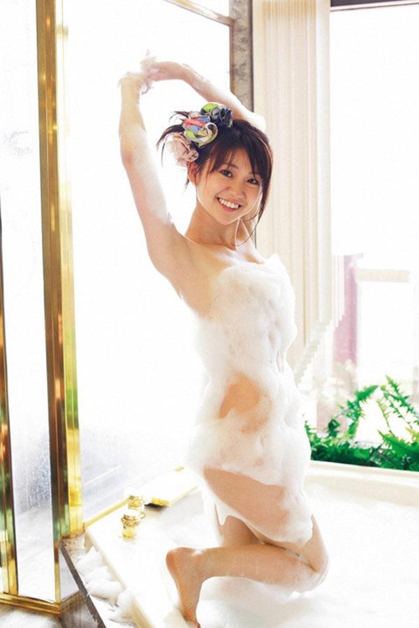 大島優子のむっちむちなエロボディ画像5