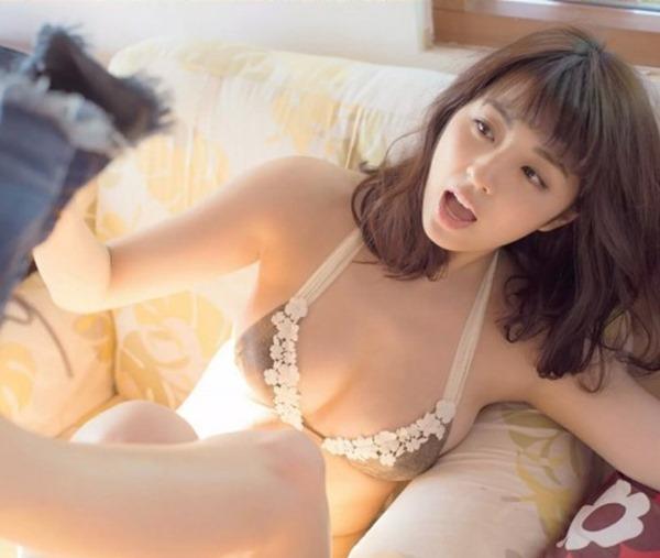 柳ゆり菜のマシュマロおっぱい画像6