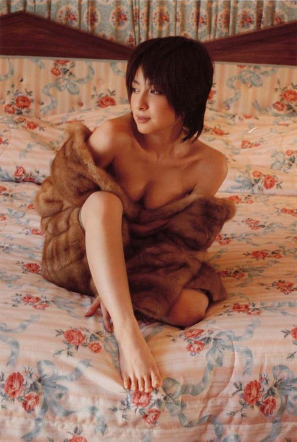 奥菜恵の美乳ヌード画像6