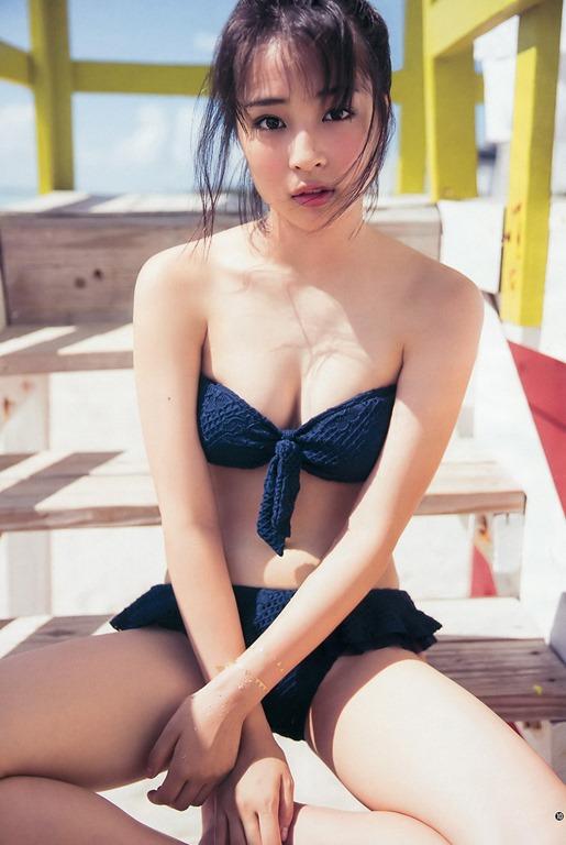 【広瀬すずの即ハボ水着にブラジャーエロGIF】女性らしい胸の膨らみ画像