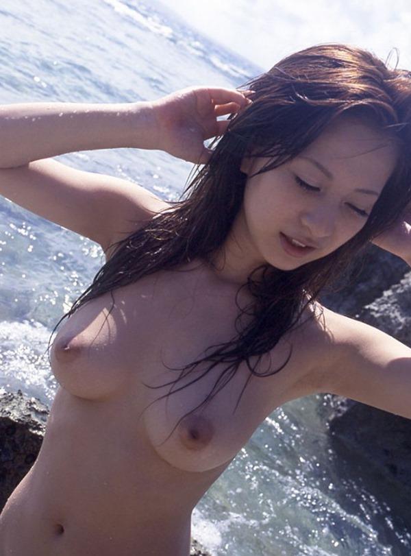 上原綾ヌードモデル画像7