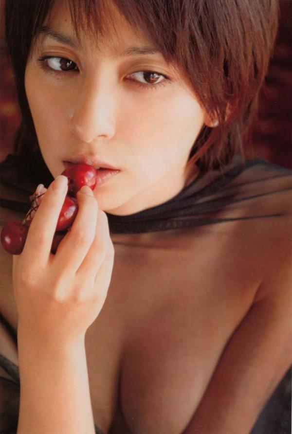 奥菜恵の美乳ヌード画像7
