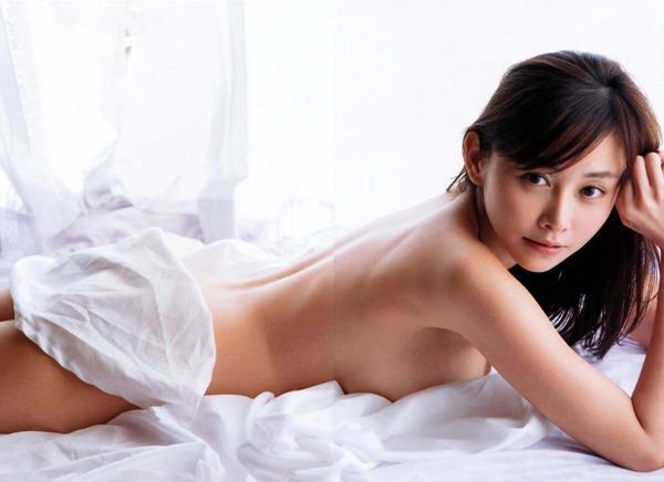 杉原杏璃のグラビア・チラ乳首セミヌード巨乳画像7
