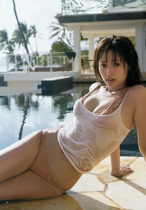 深田恭子のムッチムチな巨乳グラビア水着画像7
