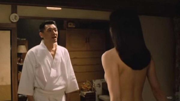 山口智子の乳首ヌード画像8