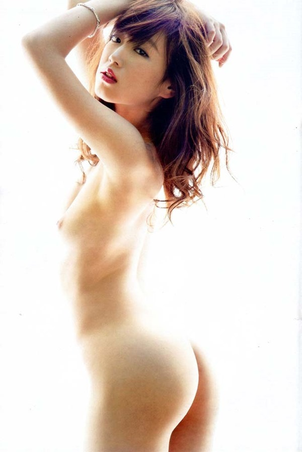 佐々木心音の乳首見え巨乳おっぱい全裸ヌード画像8
