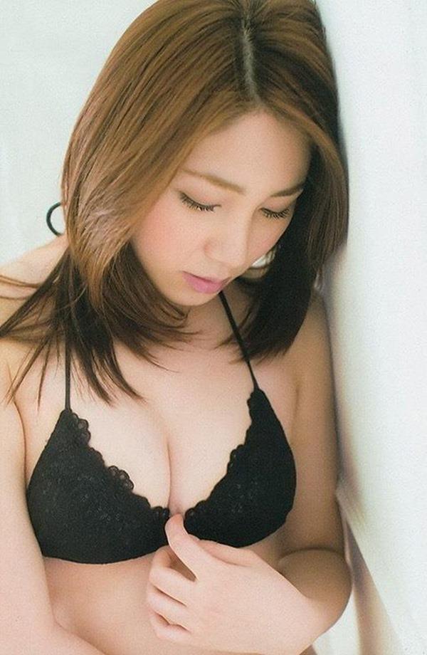 吉川友の美人セクシー画像9