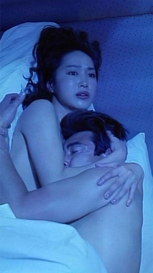 高島礼子の濡れ場ハミ乳首おっぱいヌード画像9