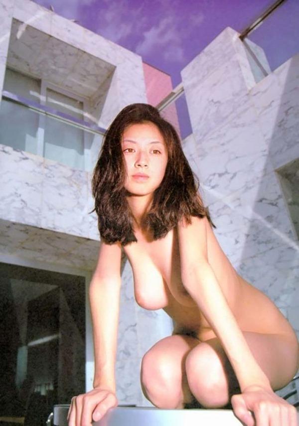 高岡早紀の巨乳おっぱい乳首ヌード画像9