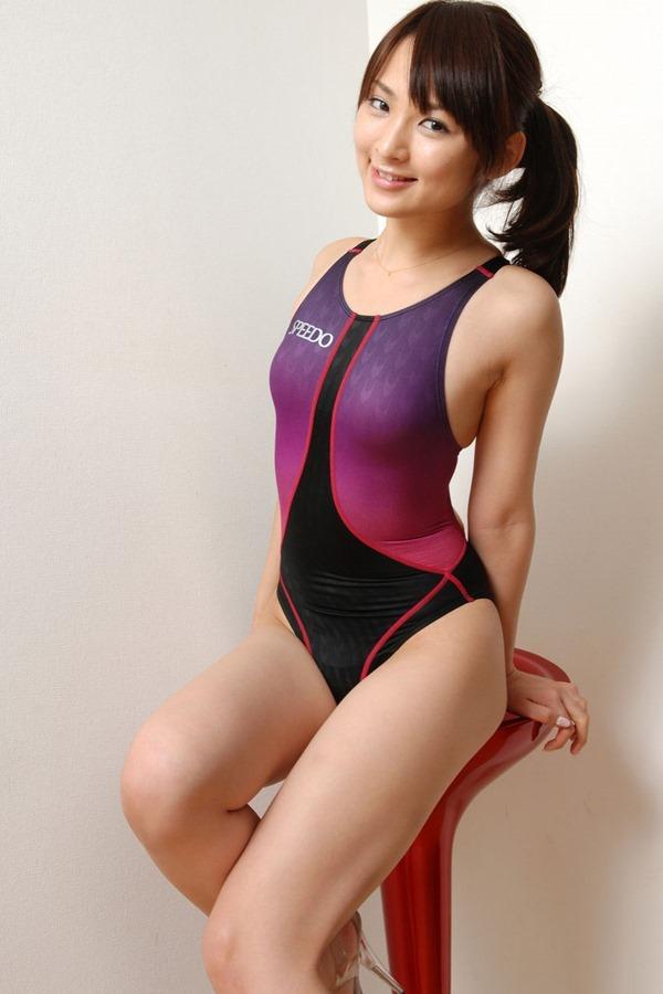 鈴木咲のセクシーグラビア水着画像9