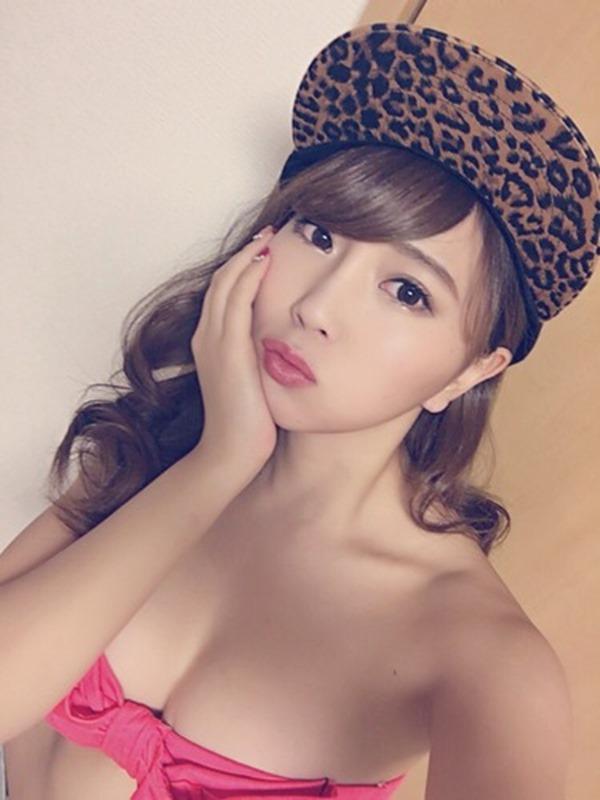 森咲智美の自撮り巨乳おっぱいグラビア画像9