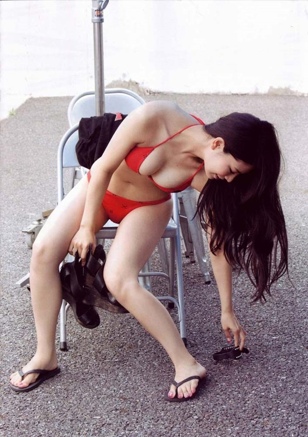 AKB倉持明日香のセミヌード画像14