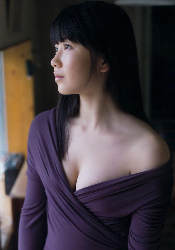AKB48横山由依のグラビア画像11