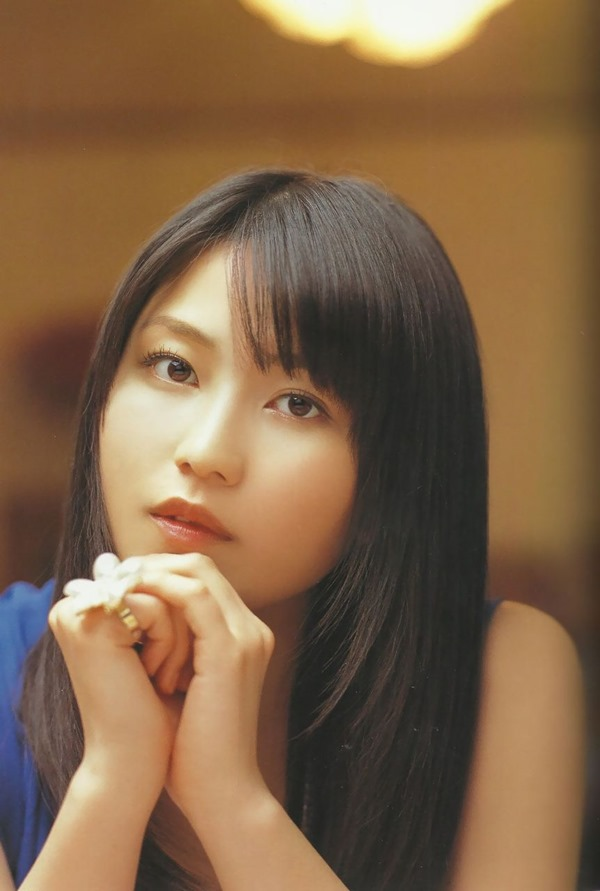 AKB48横山由依のグラビア画像13