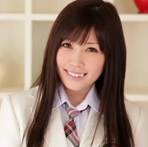 元AKB48のやまぐちりこがお掃除フェラ15