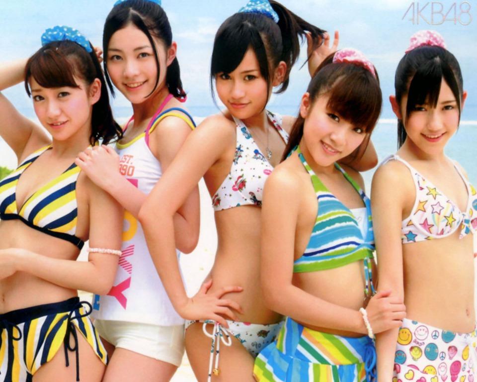 (AKB48)国民的あいどるのミズ着ヘアぬーど美しい乳お乳コラ写真がオカズ確定イイイwwww