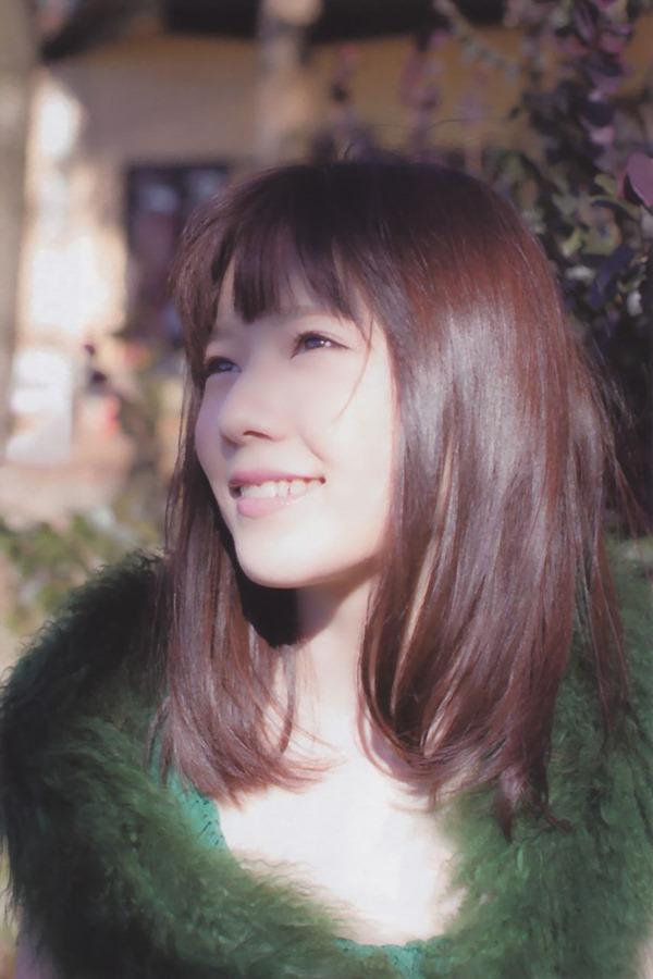 AKB48島崎遥香(ぱるる)の過激グラビア画像2