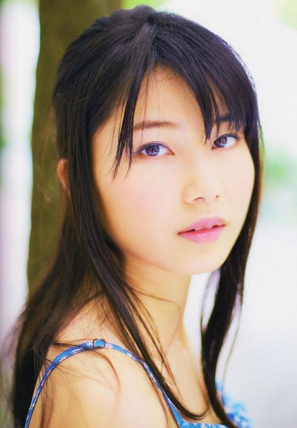 AKB48横山由依のグラビア画像3