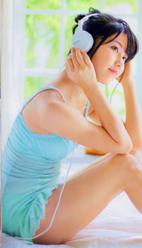 AKB48横山由依のグラビア画像6