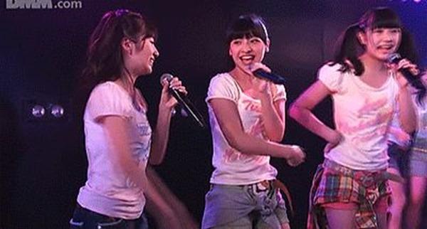 AKB48メンバーのパンチラエロGIF画像4