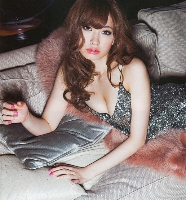 AKB48小嶋陽菜の興奮グラビア画像