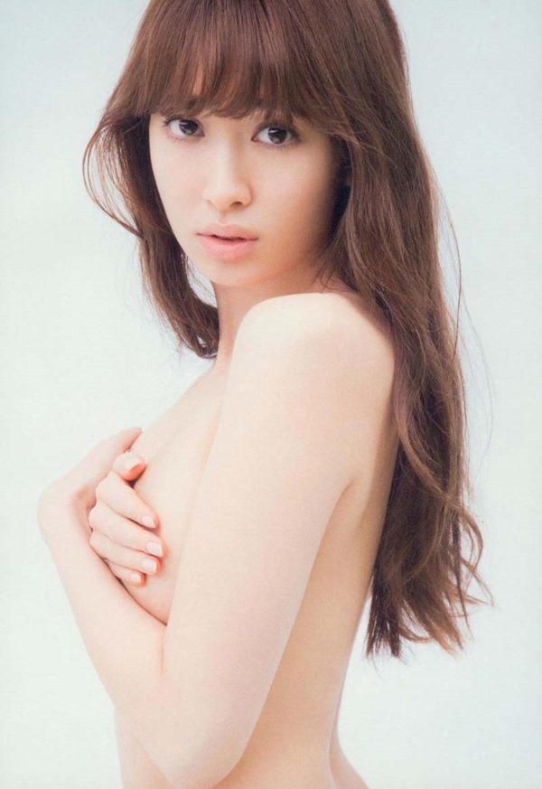 AKB小嶋陽菜こじはるの手ブラセミヌード画像7