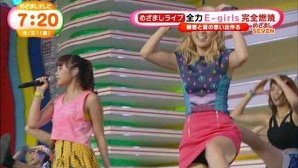 E-girls Ami(アミ)のパンチラ1