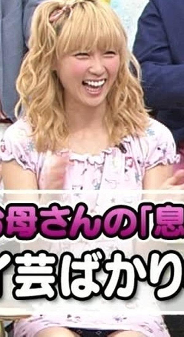 E-girls Ami(アミ)のパンチラ