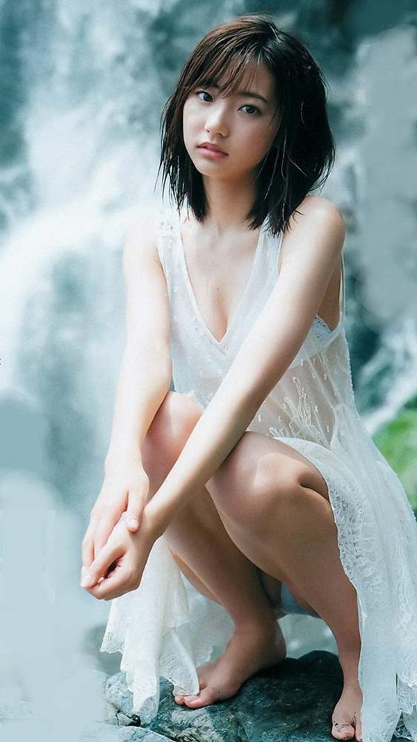 武田玲奈のドラマで生着替えエロGIF画像11