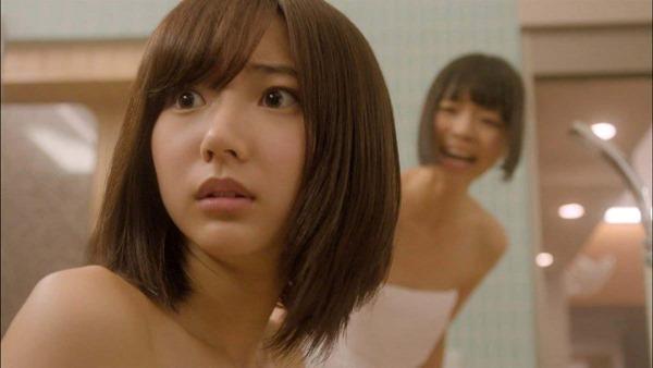 武田玲奈のドラマで生着替えエロGIF画像9