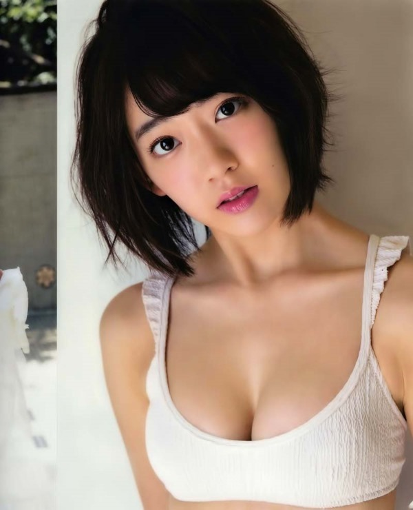 HKT48宮脇咲良Cカップ水着画像1