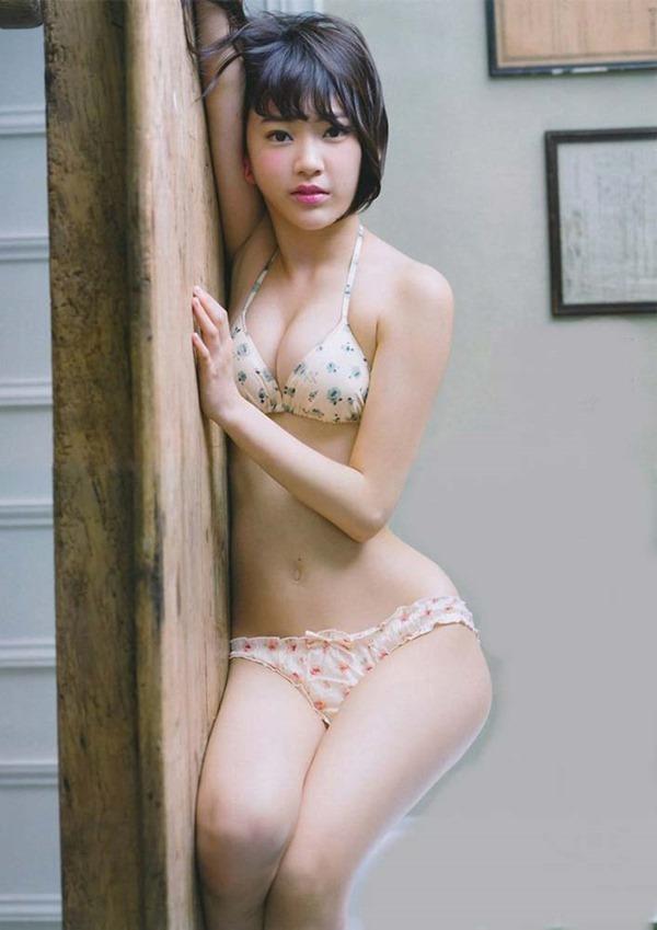 HKT48宮脇咲良Cカップ水着画像2