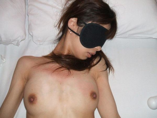 アイマスクを女の子に付けてソフトSM16