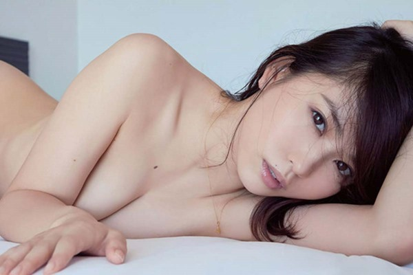 市川由衣の乳首出しヌード画像