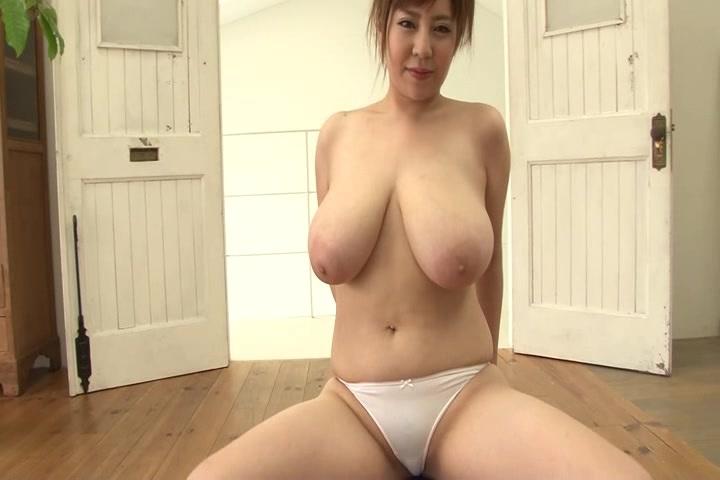 爆乳の新山らん出演の無料kyonyu動画。Kカップ爆乳にぽちゃぽちゃボディ!