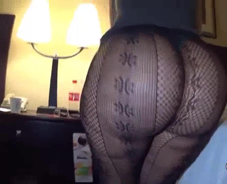巨尻の素人女性の無料kyonyu動画。肉感たっぷりのデカ尻に黒いすけすえタイツ!