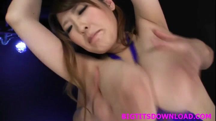 爆乳のお姉さん、三好亜矢出演の無料巨乳動画。自由を奪われた豊満爆乳お姉さん!