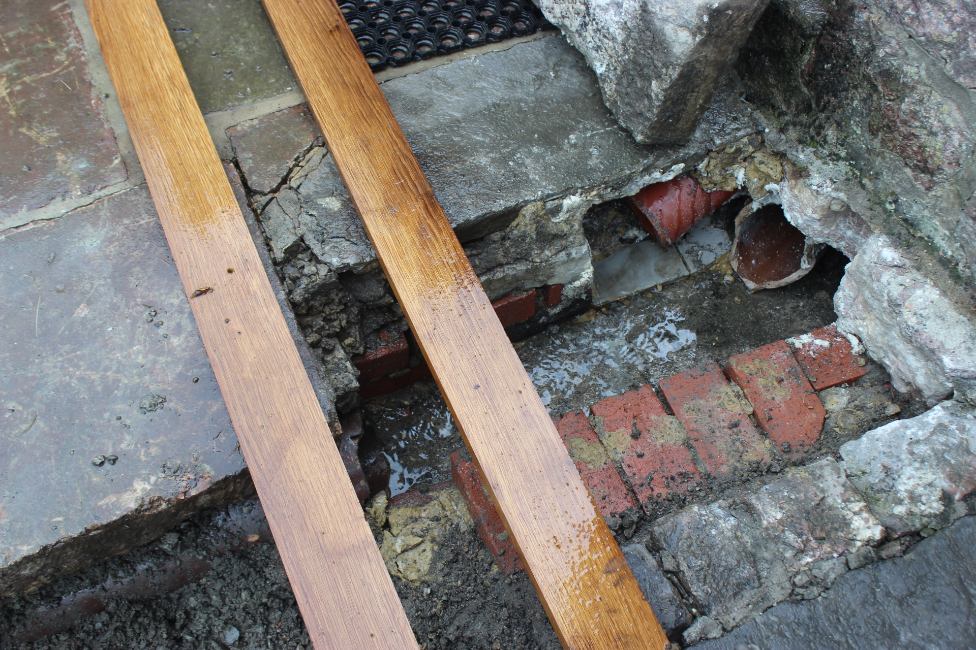 雨どいの排水管修理 NO.2