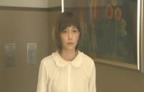 完二に挨拶した被告・椎名敦子